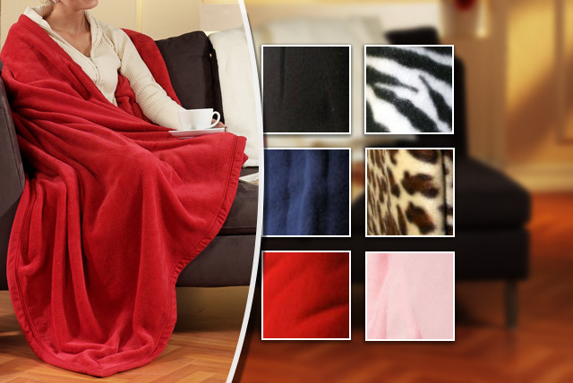 £8.99 instead of £36.99 (from iThink Gadgets) for a fleece snuggle blanket in a range of colours - recline in luxurious warmth & save 76%