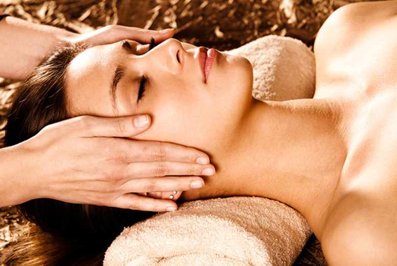 £15 instead of £35 for a 45-minute full body massage at The Lazer Clinic, Leeds - sit back, relax & save 57%