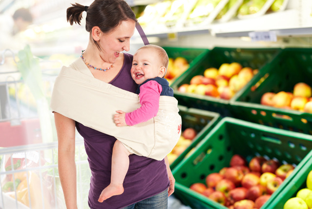 £24.99 instead of £53.50 (from Lifft Slings) for a luxury baby sling in a choice of vanilla or navy - save 53%