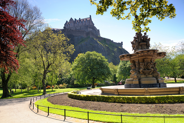 £69pp (from OMGhotels.com) for a one-night Edinburgh stay with breakfast and fast-track entry to Edinburgh Castle - saving up to 47%