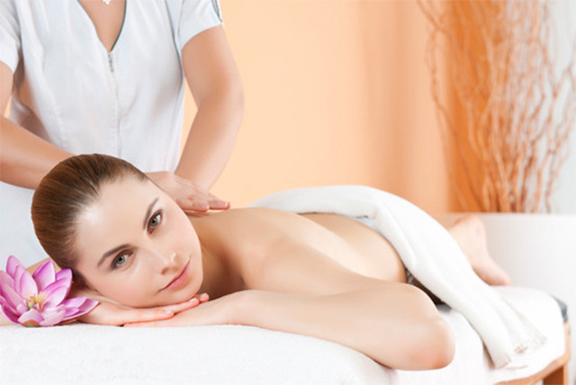 £29 instead of £130 for an 'Introduction to Massage' workshop at the M Clarke Holistic School, London - save 78%