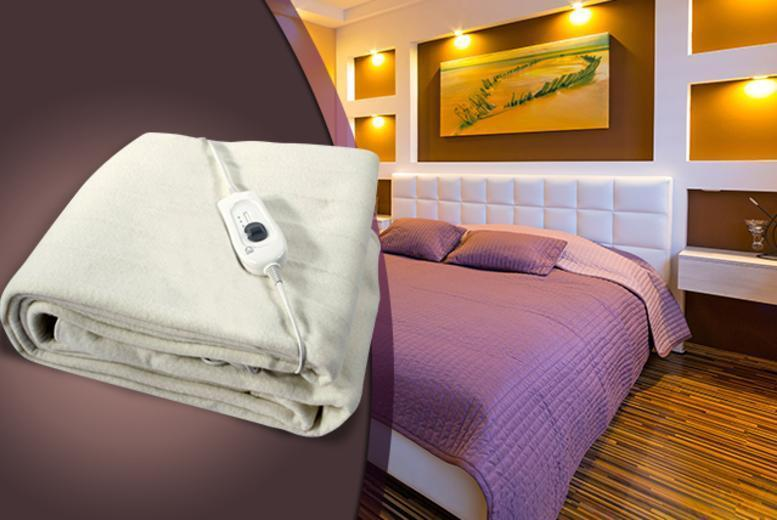 £11 for a single electric blanket, £14 for double, £18 for king or £22 for extra large king with 2 remotes from Wowcher Direct - save up to 72%