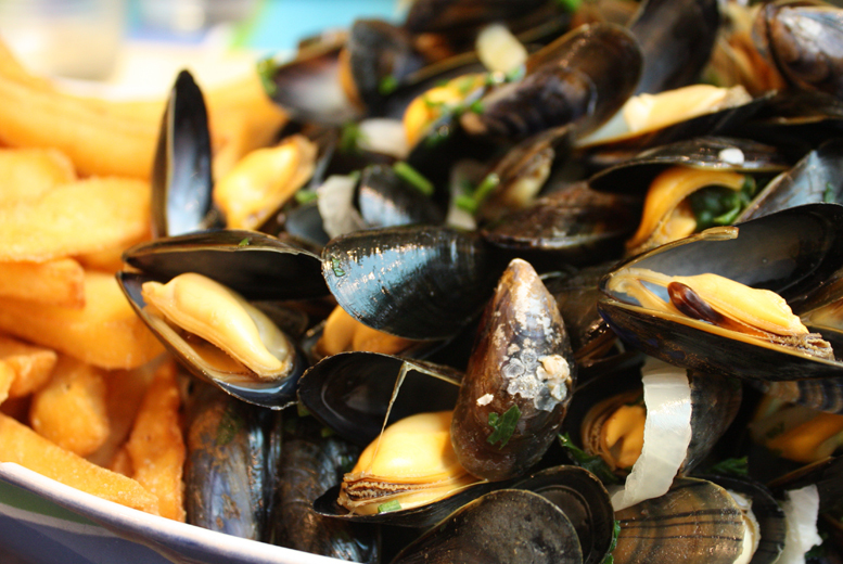 £19 instead of up to £38.80 for a moules frites meal for 2 people inc. a glass of wine each at Locanda 311, West Hampstead - save up to 51%