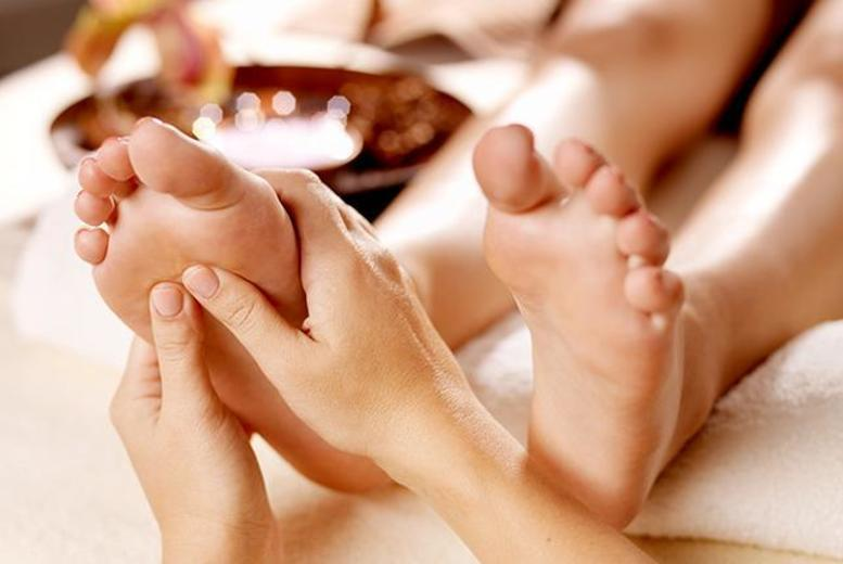 £14 instead £40 for a 1-hour chiropody treatment inc. foot bath, nail shaping, corn/callus treatment & massage at The Foot Parlour, Burnage - save 65%
