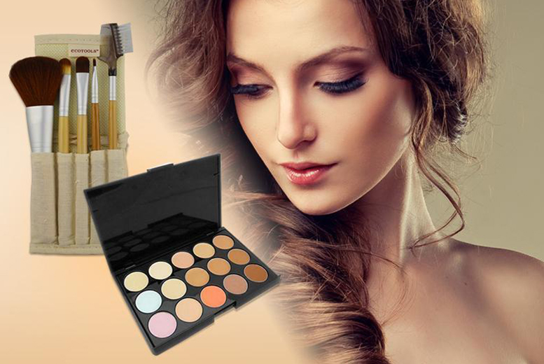 £5 instead of £29.99 (from Quick Style) for a facial contouring palette, £10 with 5 bamboo eye makeup brushes & travel case - save up to 83%