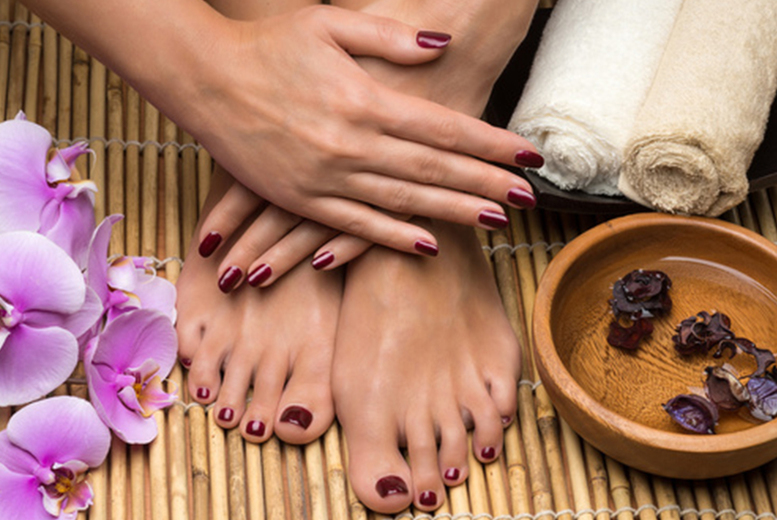 £19 instead of £30 for a shellac manicure & pedicure from Eclipz Aveda Bromley - save 37%