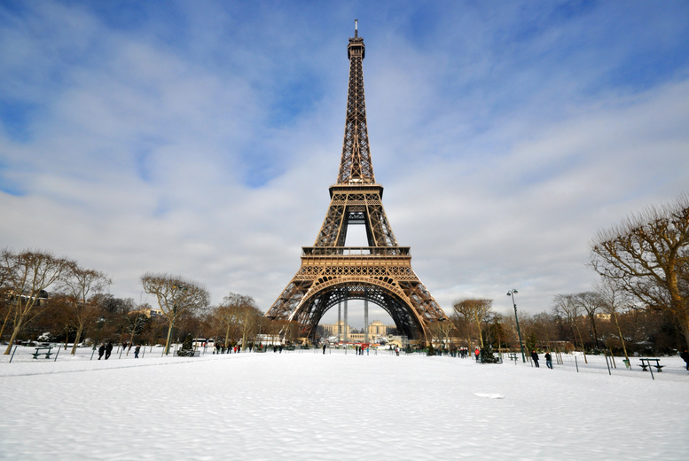 £69 for a Paris Christmas market trip including return coach travel from 11 UK locations with Coach Innovations - save 30%