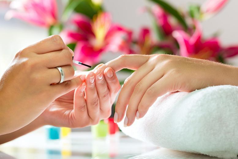 £29 instead of £120 for a 1-day nail art course at Salon & Training, Leicester - save 76%