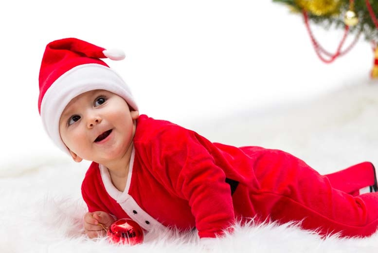 £7.50 for a Christmas Santa or elf photoshoot for up to 3 children & a 10''x 8'' print from Village Photography, Hebburn - save up to 70%