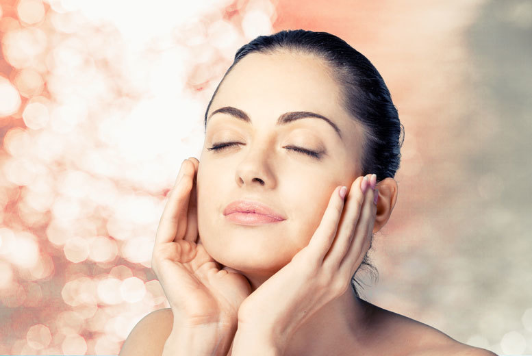 £79 for a bespoke non-invasive HIFU facial facelift alternative at Cosmetic Beauty Clinic, Golborne