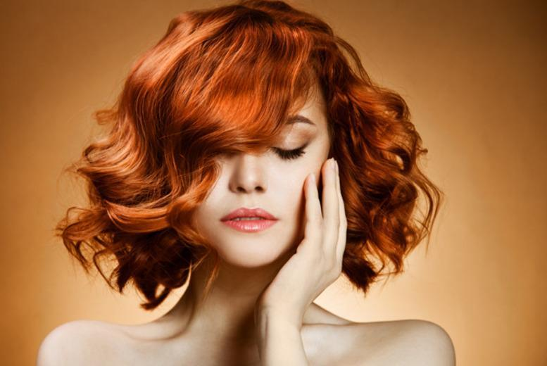 From £19 for a wash, cut, L'Oreal mask treatment and blowdry at Beauty Box, Victoria - save up to 62%
