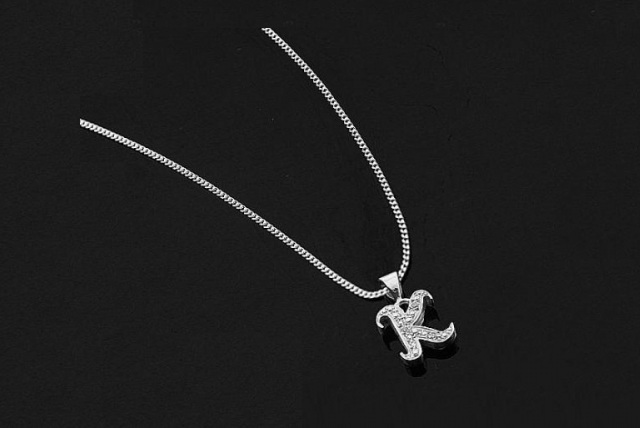 £35 instead of £125 (from Oodlebee) for a Lovestrong & Clarity Diamond Sterling Silver Initial Pendant in your choice of initial - save 72%