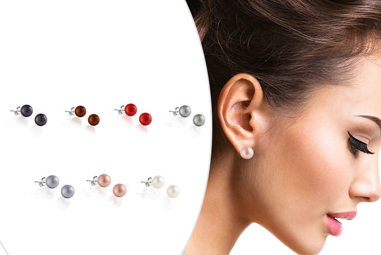 The Gemseller 7-Pairs of Freshwater Pearls Earrings (Multiple Colours)