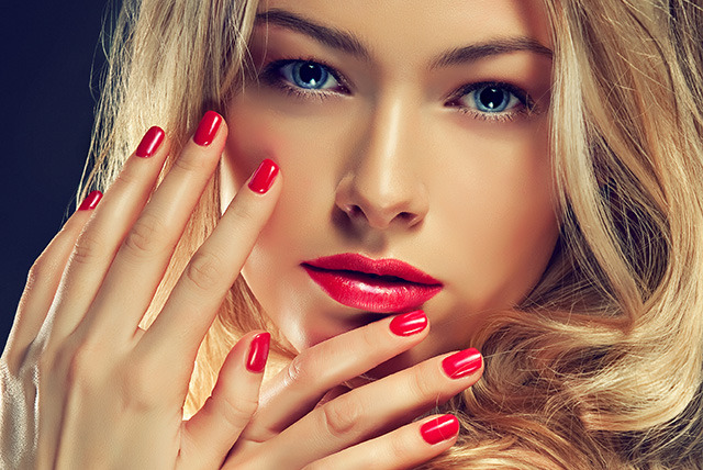 £18 instead of £47 for a set of Shellac nail overlays with manicure at USA Star Nails, Battersea - save 62%