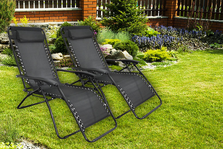 £49 instead of £177 (from Bells Bay) for two reclining zero gravity chairs - select between black or green and save 72%