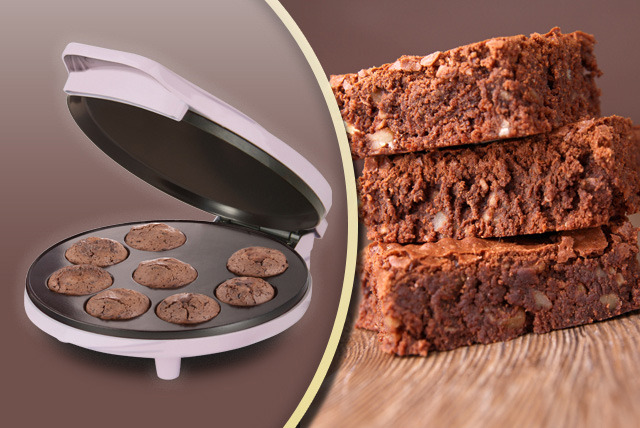 £15.99 instead of £24.95 (from Prezzybox) for an electric brownie bites maker - get cooking and save 36%