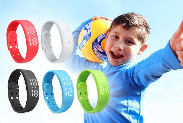 £7.99 instead of £19.99 (from Ugoagogo) for a kids' smart fitness activity watch - monitor steps taken, quality of sleep and save 60%