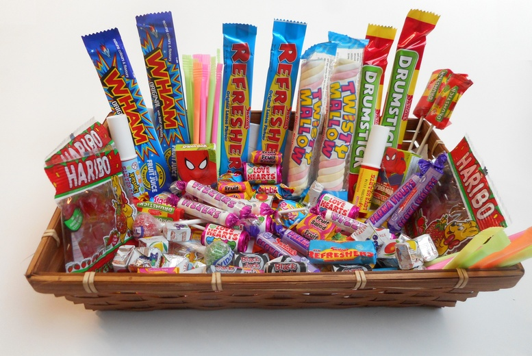 The Best Deal Guide - Retro Sweet Hamper