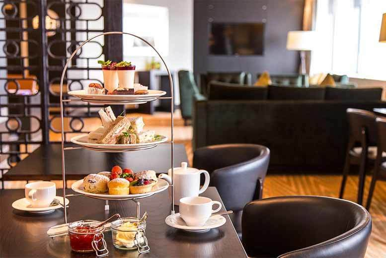 £23 instead of £46 for afternoon tea for two, or £34 to include a cocktail each at Hilton Canary Wharf Hotel - save up to 50%