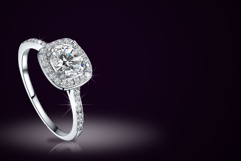 Alvis Fashion Zircon Platinum Plated Glittering Halo Crystal Ring