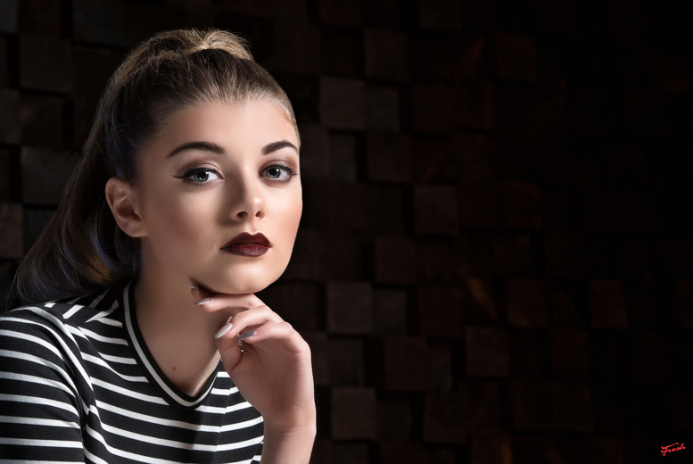 £9 instead of £195 for a teen model photoshoot including a makeover, print and a £50 voucher from The Fresh Group - choose from over 70 locations and save 95%