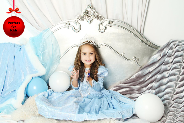 £9 for a 'Frozen'-inspired photoshoot for up to 3 with prints & lunch or £19 inc. a recording experience at Love Exclusive, Manchester - save up to 94%