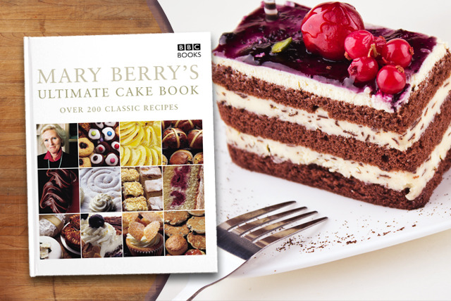 £6.99 instead of £15.99 (from Random House) for Mary Berry's Ultimate Cake Book - save 56%