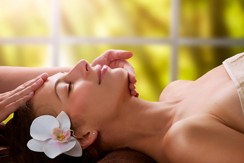 £16 instead of up to £61 for a luxury facial and a 30-minute back massage at Feel Beauty, Edinburgh - save up to 74%