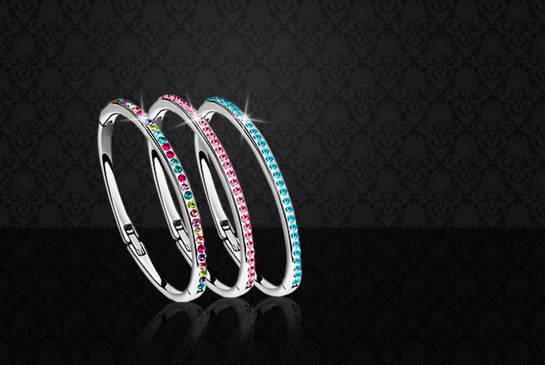 £7 instead of £24.99 (from Romatco) for an 18K white gold-plated solitaire bangle made with Swarovski Elements - choose from 3 colours & save 72%