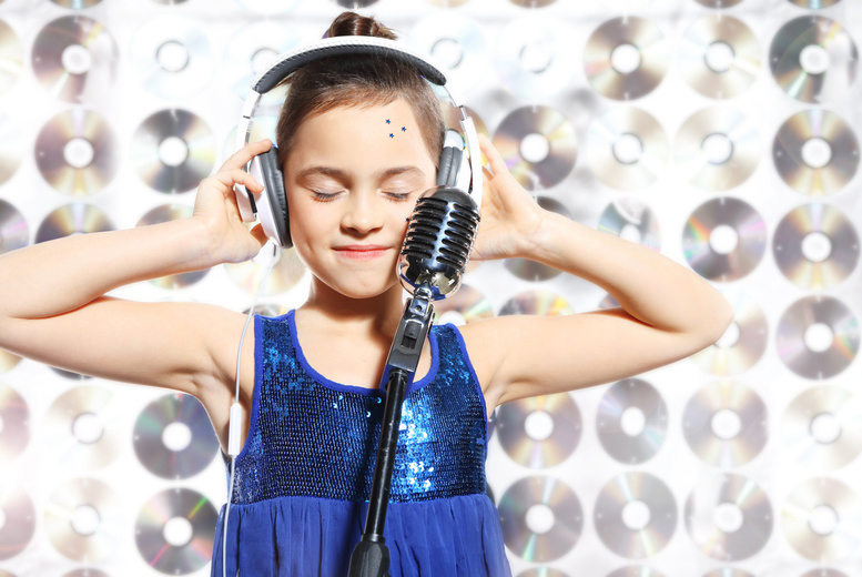 £19 instead of £69 for a 45-minute kids' recording studio party for up to five children including a photoshoot and CD at Star for a Day, Glasgow - save 72%