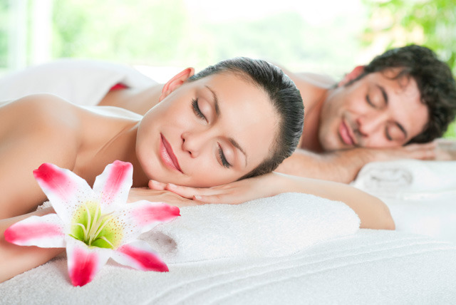 £39 instead of £80 for a half-day couples massage class for two at Bodyology School of Massage - save 51%