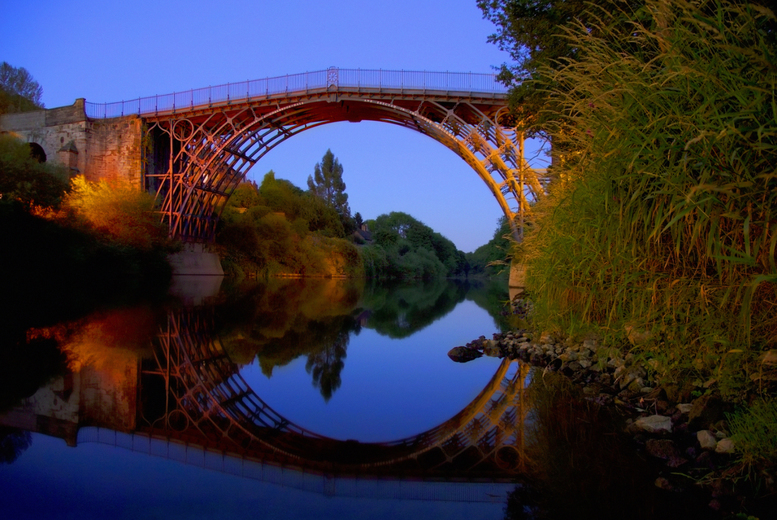 2nt Shropshire for 2 with Dinner, Wine and River Cruise
