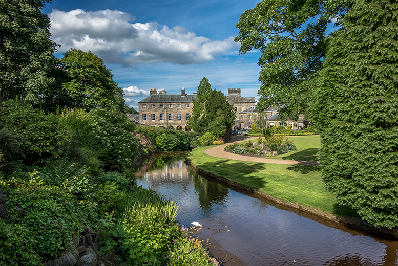 £59 for an one-night Peak District stay for two with breakfast, £75 with dinner and wine, £139 for two nights with breakfast, £169 with dinner and wine - save up to 31%