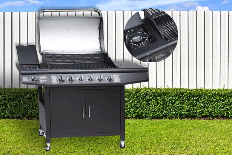 £199 instead of £799 (from Esenti) for a seven-burner Fireplus gas BBQ - choose from black and silver and save 75%