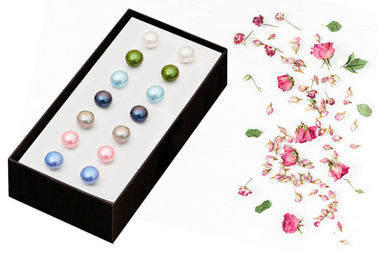 £9 instead of £148.50 (from Lily Spencer London) for a set of seven spring freshwater pearl earrings - save 94%