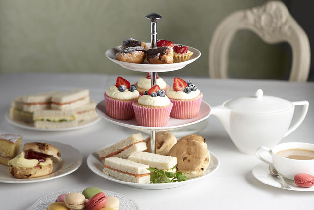£26 for a Christmas afternoon tea for two at Doubletree by Hilton, West End