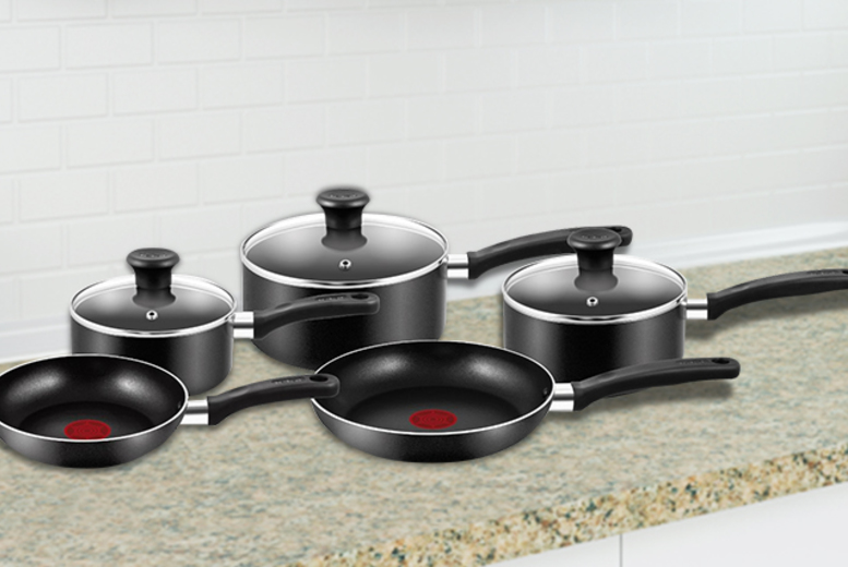 £34.99 instead of £95.01 for a 5-piece non-stick Tefal Essential pan set from Wowcher Direct - save 63%