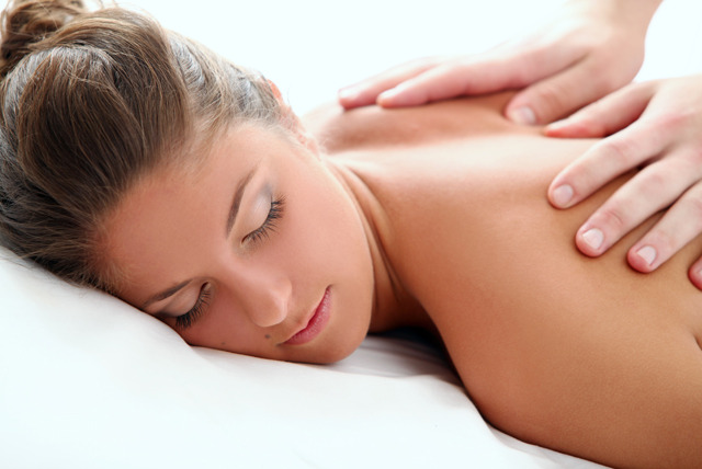£26 instead of £65 for a pamper package inc. a 1 hour facial and choice of 1 hour massage at Eve's Therapies - save 60%
