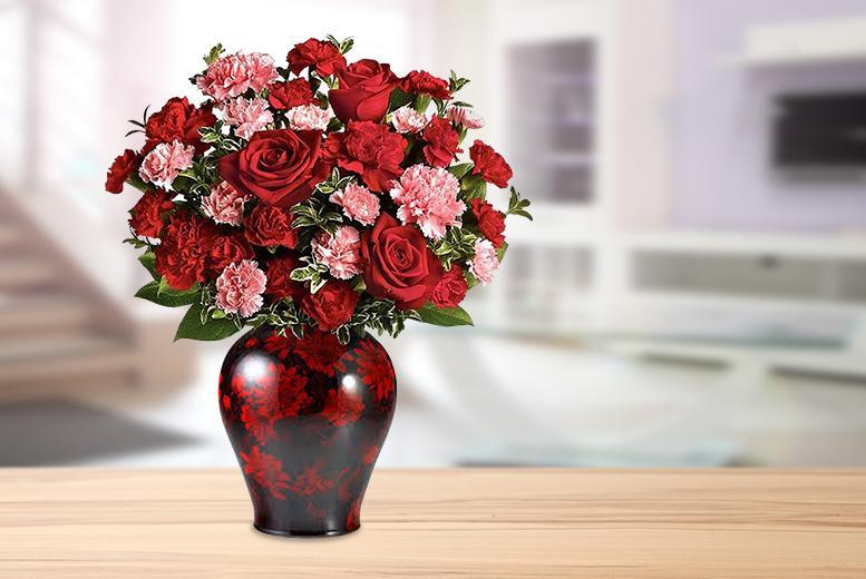 £19.99 instead of £49.99 (from Posy Bouquets) for a rose and carnation bouquet - save 60%