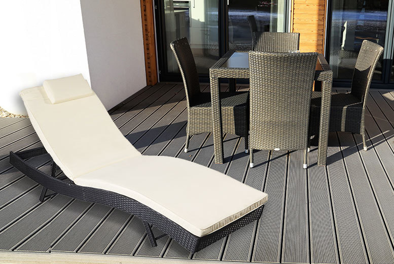 £99 instead of £370 (from Costzu) for a rattan sun lounger - save 73%
