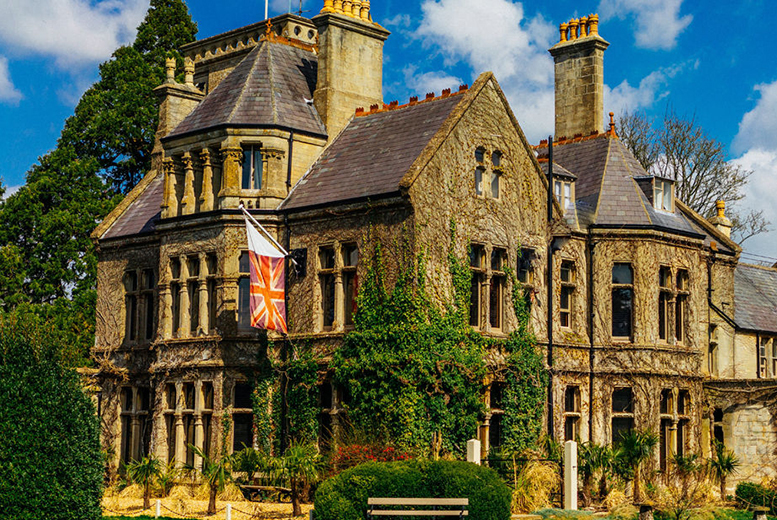 Marco Pierre White's Rudloe Arms and Dinner for 2