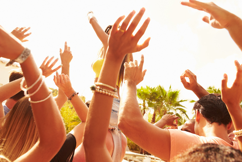 £19 for an adult day ticket to Barefoot Festival at Prestwold Hall on the 24th, 25th or 26th July 2015, or £59 for a weekend camping ticket - save up to 50%