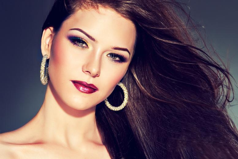 £29 instead of £150 for a 3-hour MAC makeup masterclass including goody bag at Sarah Artistry, South Woodford - save 81%