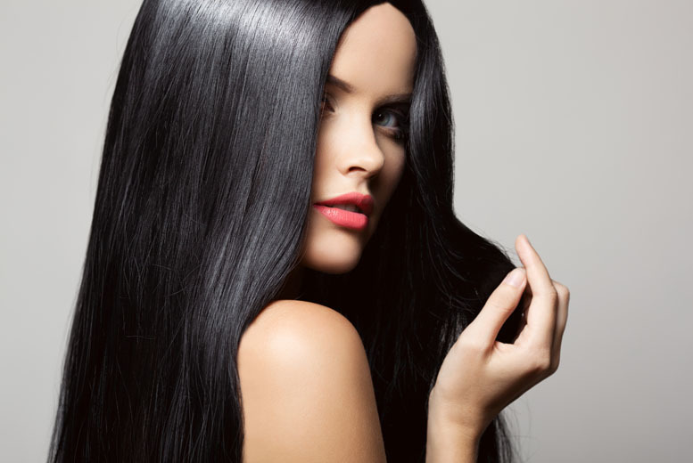 £29 for a micro ring hair extension course inc. goodie bag, £49 for micro and nano ring extensions at Spotlight Salon and Academy, Limehouse - save up to 81%