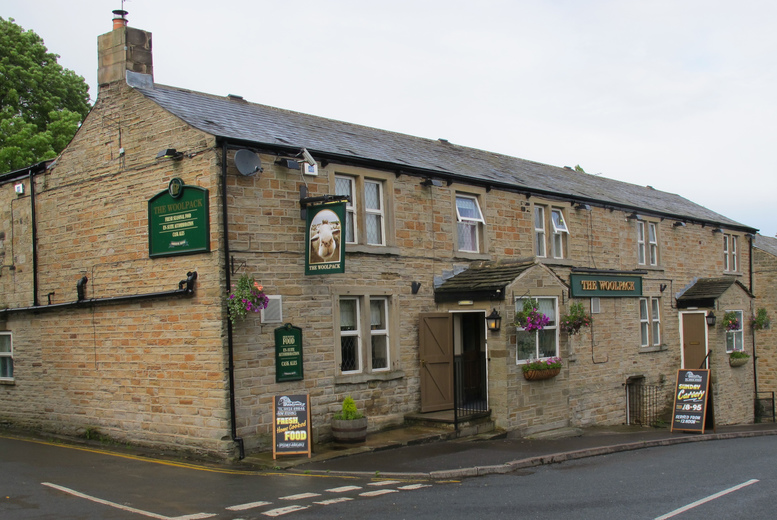 £49 (at Woolpack Country Inn) for a 1-night stay for two including breakfast, 3-course dinner and Prosecco, £69 for 2 nights – save up to 52%