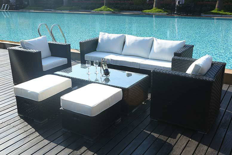 £549 instead of £1070 (from Dreams Outdoors) for a rattan garden furniture set set - choose from grey, black or brown and save 49%