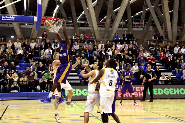 £9 instead of £29.25 for 2 tickets to see the London Lions take on the Leicester Riders at home - save 69%
