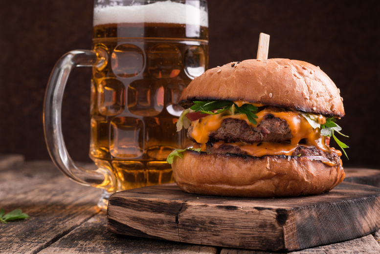 £14.99 instead of up to £31.40 for two burger meals and two beers for two people at The Lincoln Hotel - save up to 52%