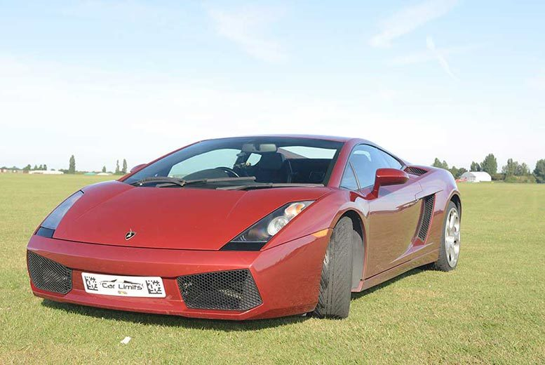 £39 for a weekday three-lap Lamborgini driving experience, or £49 for a weekend experience with Supercar Test Drives - choose from six locations and save up to 74%