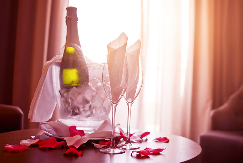£129 for (from Buyagift) a romantic overnight escape for two including breakfast, Champagne/wine and chocolates/flowers on arrival - choose from 80 locations!